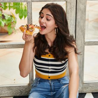 https://indiantelevision.com/sites/default/files/styles/330x330/public/images/tv-images/2019/12/02/ANANYA-PANDAY.jpg?itok=gf969mVh