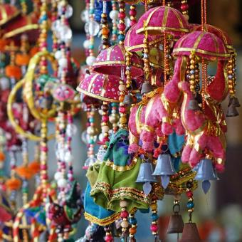 https://indiantelevision.com/sites/default/files/styles/340x340/public/images/tv-images/2017/12/11/Festival-Bharat_0.jpg?itok=VgrZBz2-