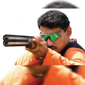 https://indiantelevision.com/sites/default/files/styles/340x340/public/images/tv-images/2018/05/23/Rajyavardhan-Rathore.jpg?itok=64RxfAd9