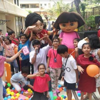 https://indiantelevision.com/sites/default/files/styles/340x340/public/images/tv-images/2018/11/14/children.jpg?itok=0w-PSLPz