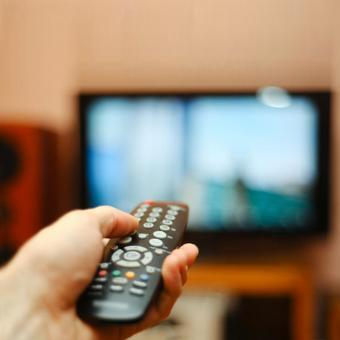 https://indiantelevision.com/sites/default/files/styles/340x340/public/images/tv-images/2019/08/21/TV-remote.jpg?itok=OLgAaT1g