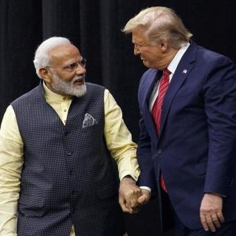 https://indiantelevision.com/sites/default/files/styles/340x340/public/images/tv-images/2020/02/24/Trump-and-modi.jpg?itok=K3LFKS7w