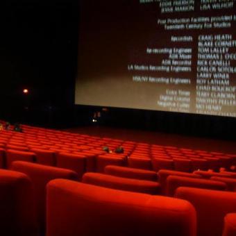 https://indiantelevision.com/sites/default/files/styles/340x340/public/images/tv-images/2021/01/04/cinema_halls_1.jpg?itok=_boM7tnr