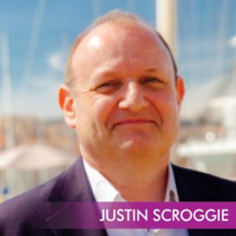 https://indiantelevision.com/sites/default/files/styles/345x345/public/images/event-coverage/2014/12/06/Justin_scroogie%20%281%29.jpg?itok=uRYjVexk