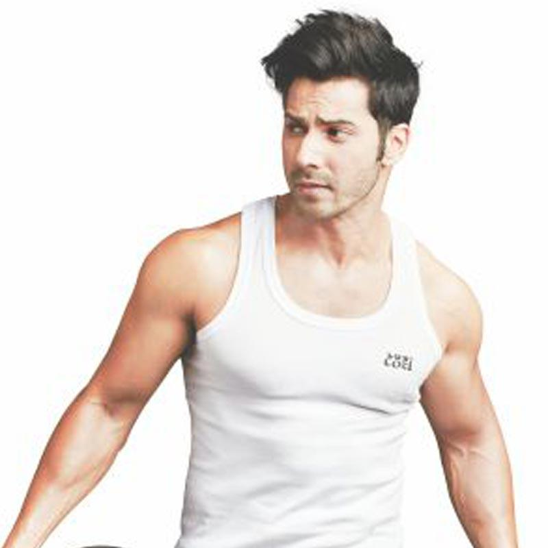 https://indiantelevision.com/sites/default/files/styles/smartcrop_800x800/public/images/tv-images/2019/04/16/varun-dhwana.jpg?itok=18yDv8Sf